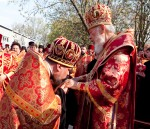 архимандрит Николай удостоен права служения с открытыми Царскими вратами до Херувимской песни.